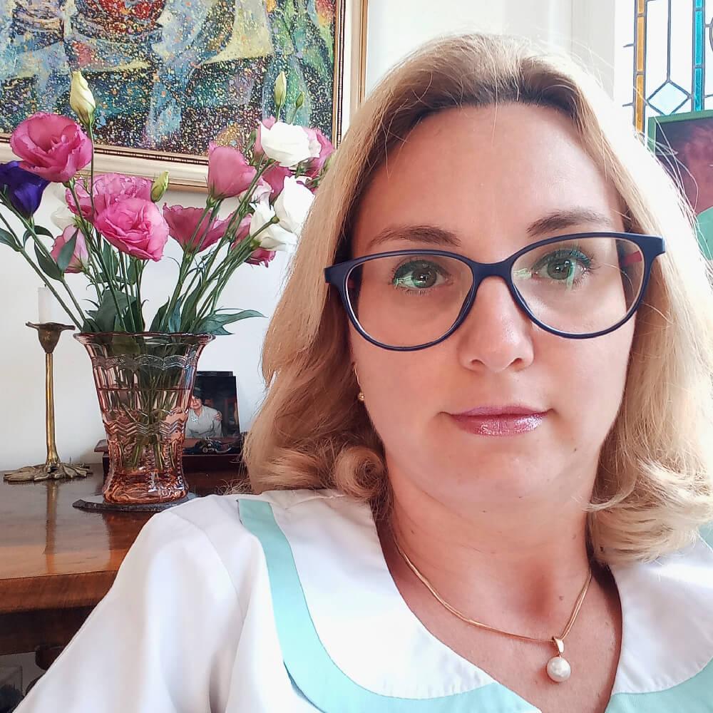 Dr. Ioana Silion