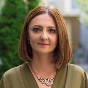 Dr. Laura Davidescu