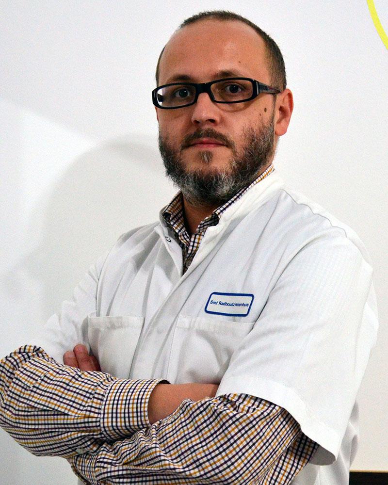 Dr. Florin Tischler