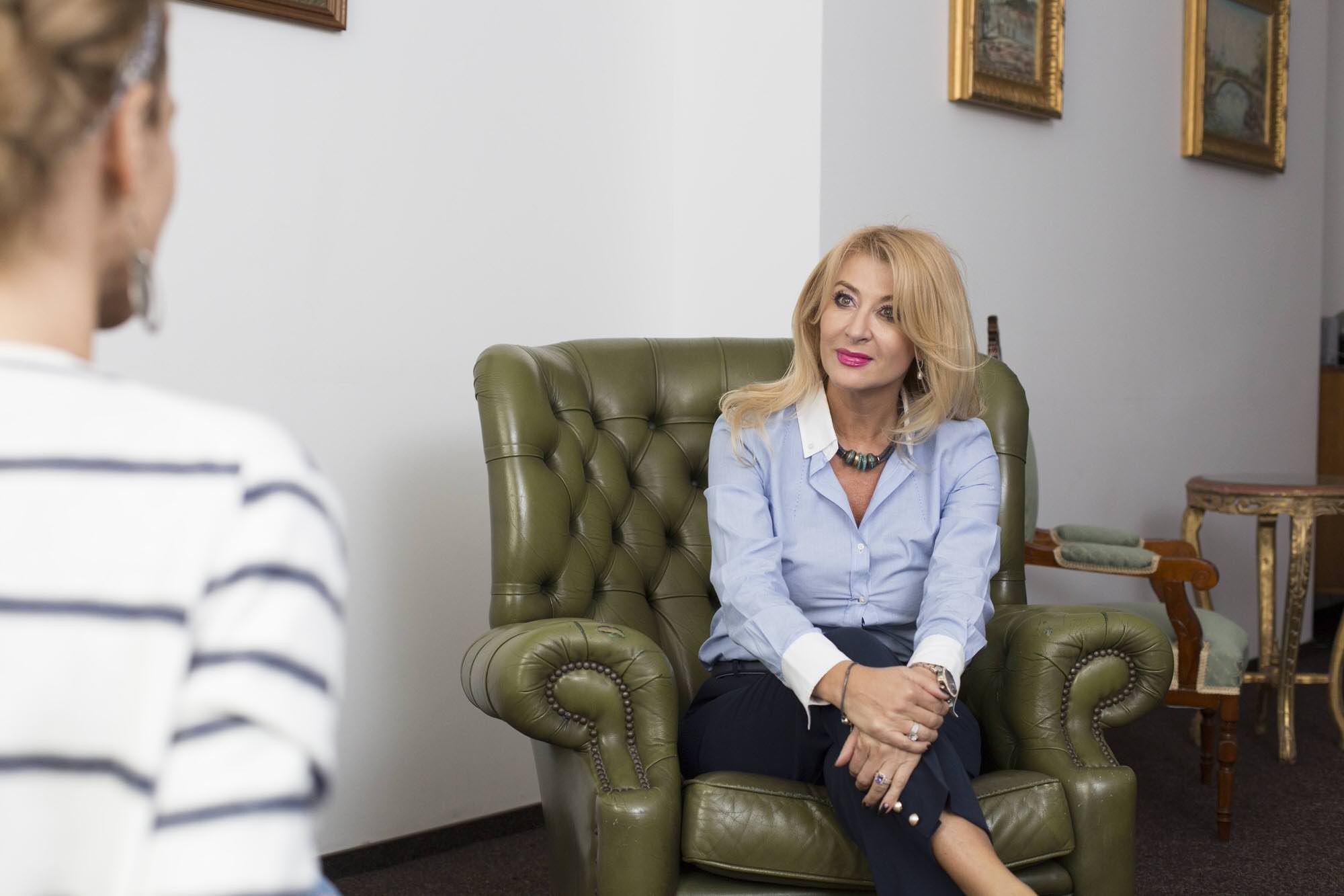 Dr. Valentina Mahfouz - Clinica Oana Nicolau Piata Unirii