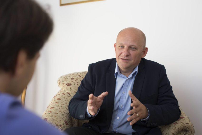 Dr. Razvan Peristeri - Clinica Oana Nicolau Piata Unirii
