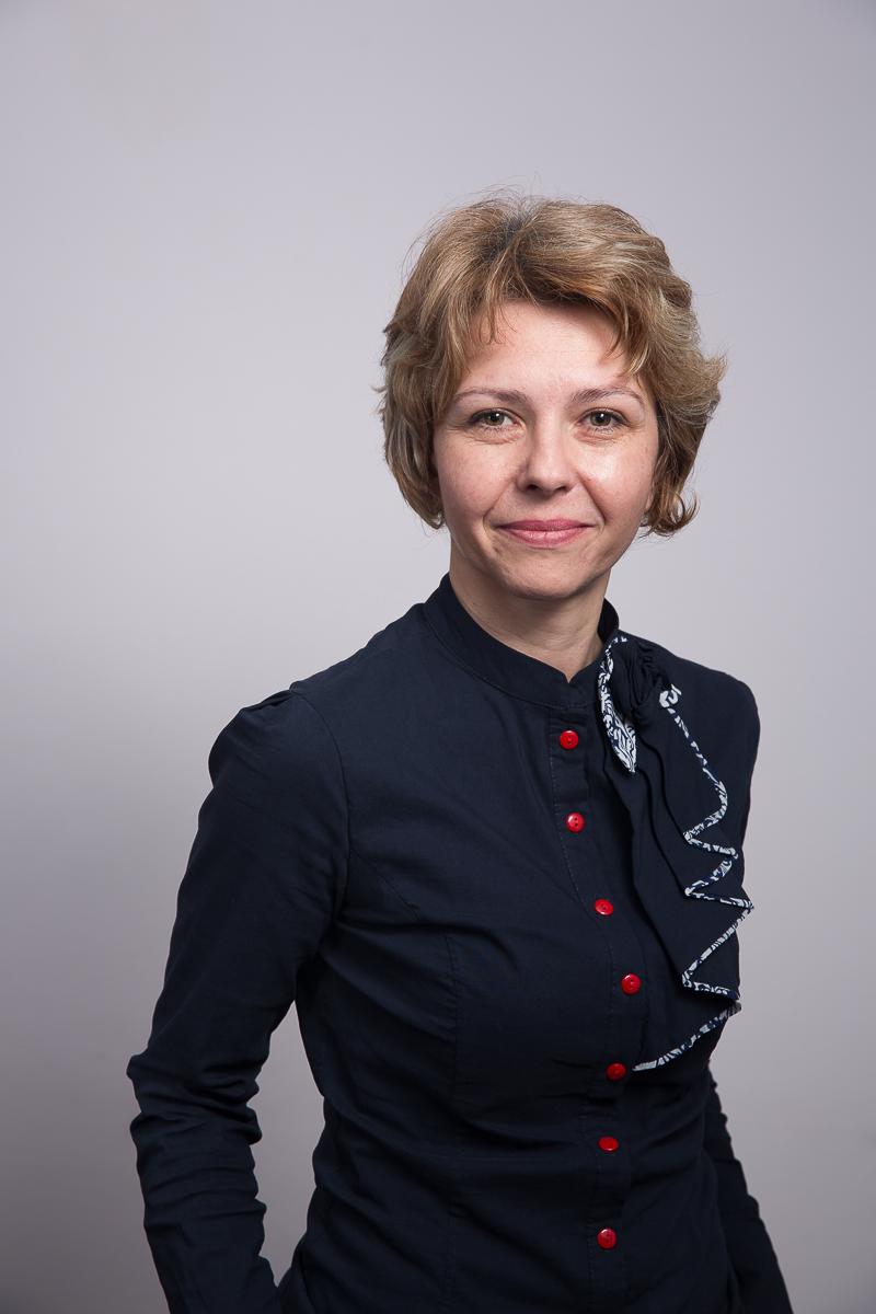 Dr. Angelica Balan
