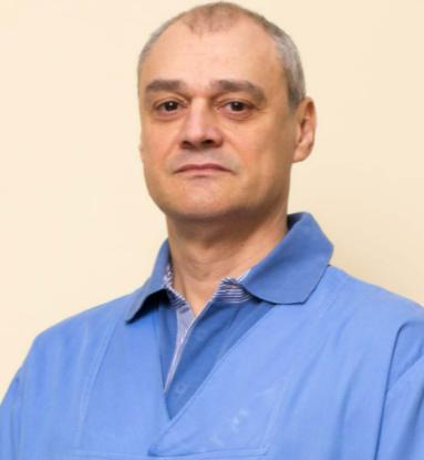 Dr. Mircea Manuc