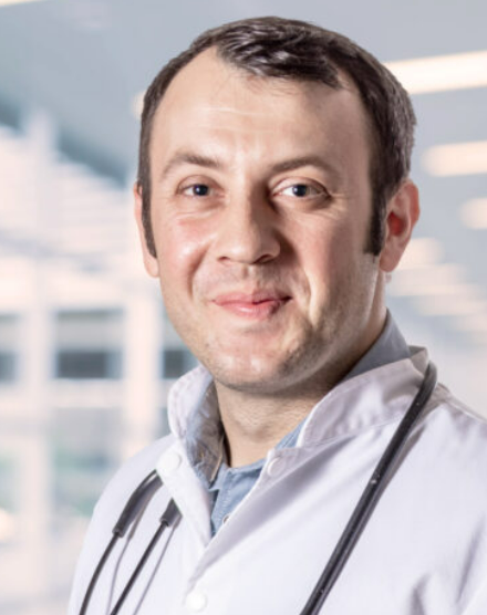 Dr.  Trandafir Marius