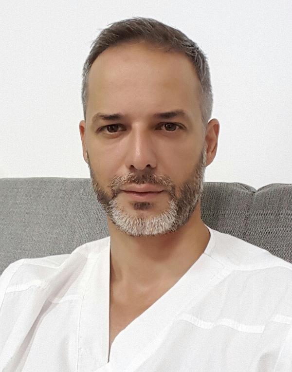 Dr. Mirea Daniel